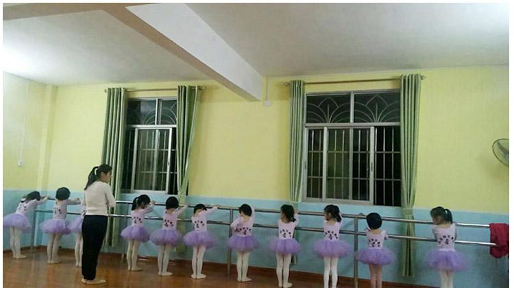 03舞蹈_.jpg