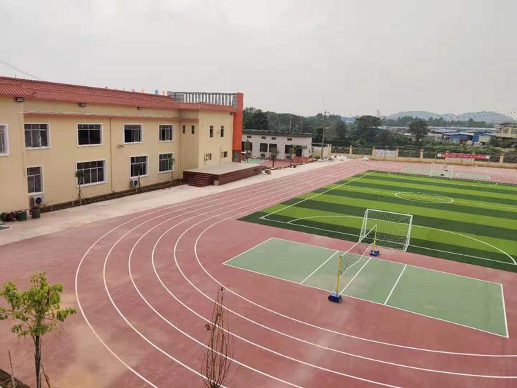 002学校环境.jpg